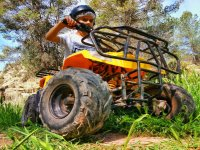Montando en quad