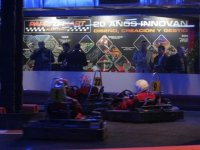 Lotto di 10 minuti di circuito indoor Karting