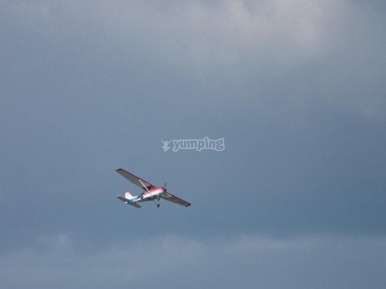 Avioneta acrobatica en Barcelona
