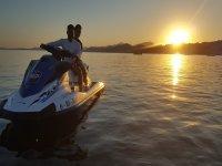 Formentor乘坐摩托艇