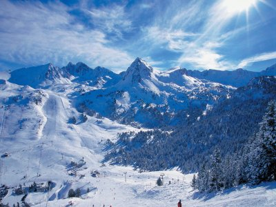 Snowshoeing tour in Circo de Pessons