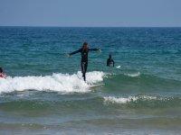 Pilla las olas con nosotros