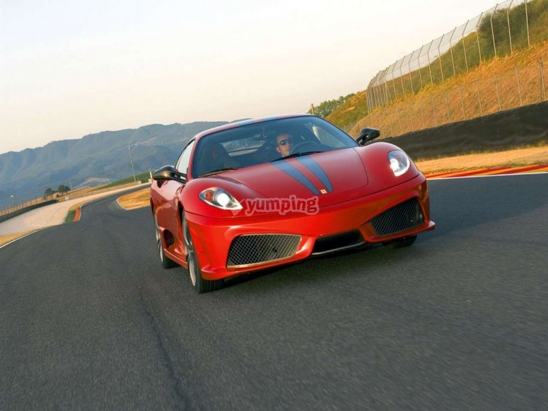 Ferrari en pista