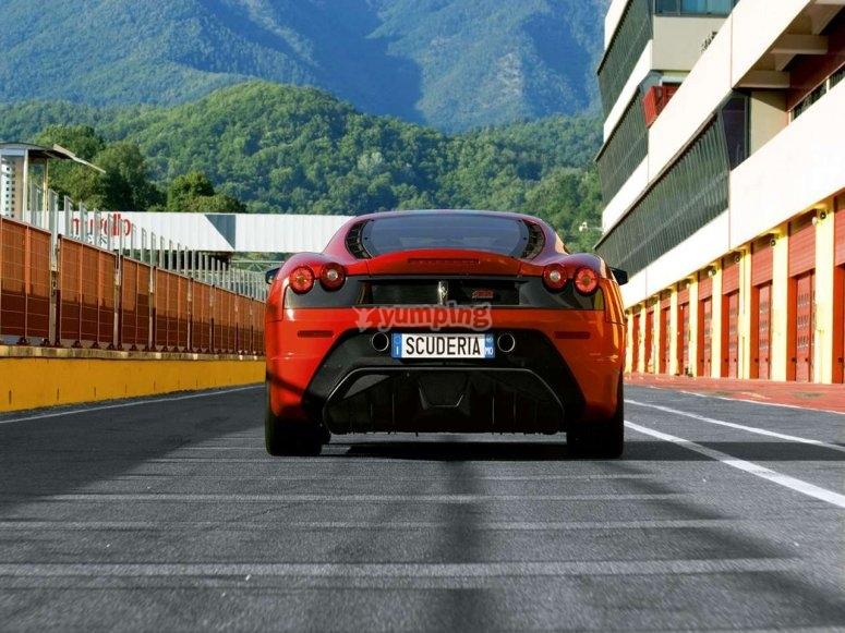 Vueltas en Ferrari