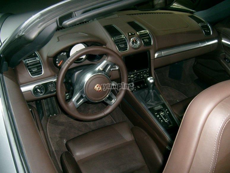 Interior del Porsche Boxster