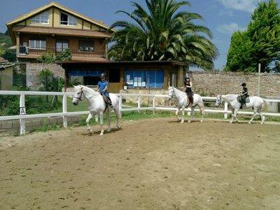 Horse ride camp+hotelS. Santa, Trapagaran