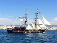 Barco antiguo en el Mediterraneo