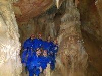 Gruppo di speleologi a Utrilla