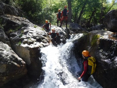 Canyoning induction in Utrillas