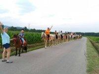 A caballo con todo el grupo