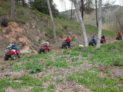 科夫伦特斯的四轮摩托车+独木舟或射箭