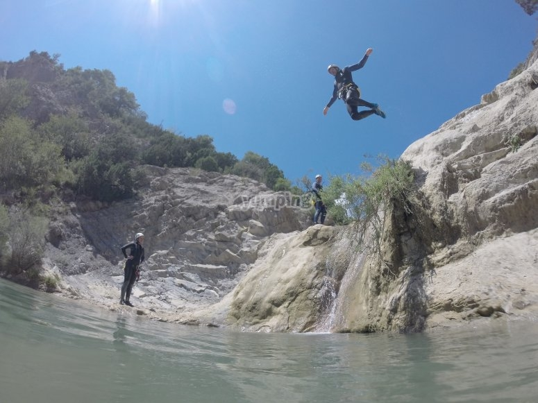 Jumping to the Bòixols canyons