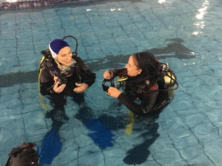 泳池潜水的经验