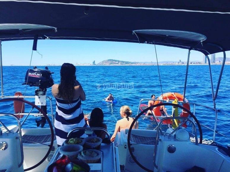 浏览体验帆船在巴塞罗那