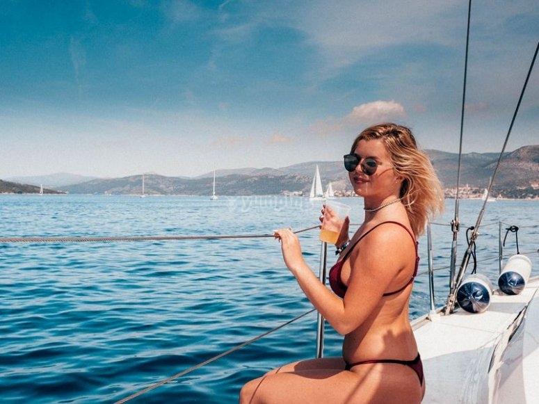 在巴塞罗那船上看海