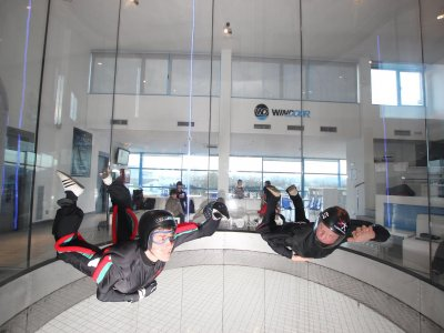 2 flights for 2 participants in a wind tunnel