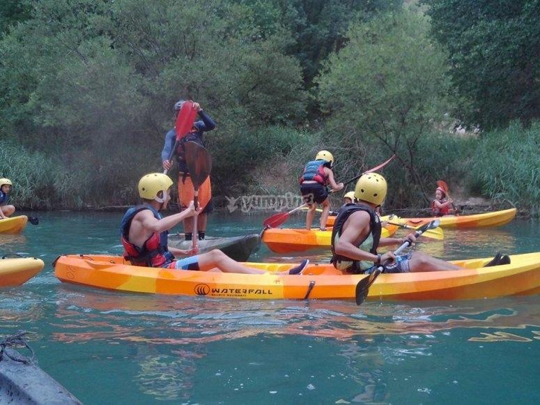 kayaks por el rio