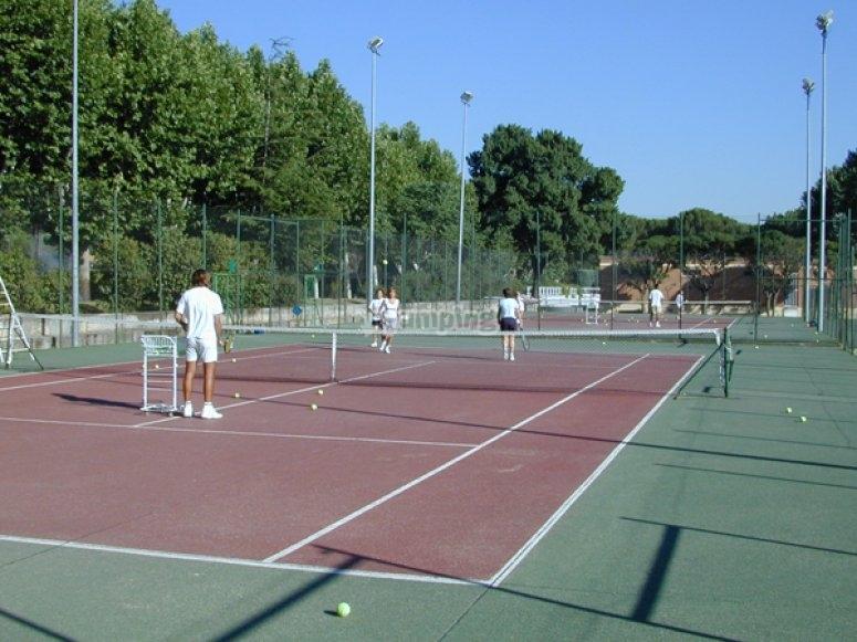 室内网球场餐厅网球
