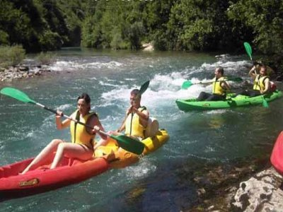 Descenso en canoa-raft en Ebro o Cares, 2 horas