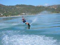 Probando el esqui nautico