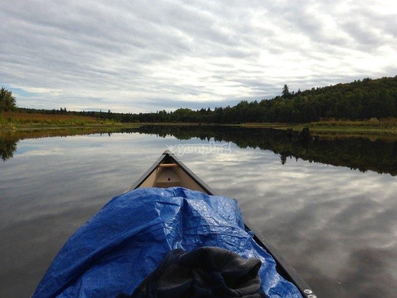 Paisaje espectacular a bordo de la canoa