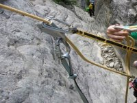 努力提高产品安全登山绳