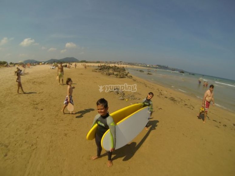 Learn how to surf in Noja