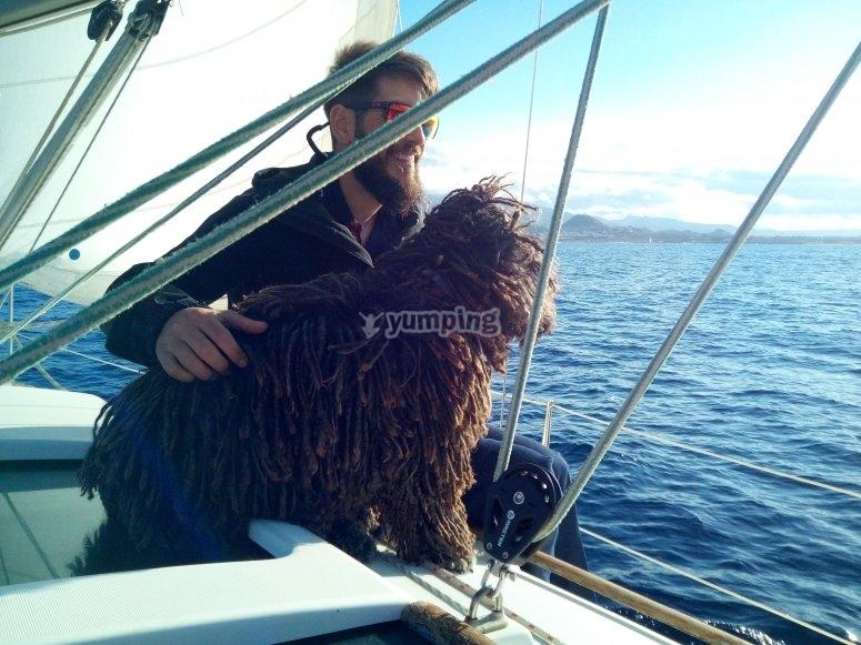 阿尔梅里亚夫妇乘船游览