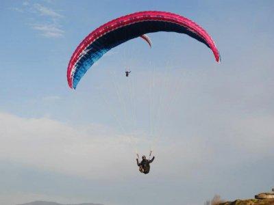 20 min paragliding in La Providencia, Asturias