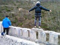 Pronti a saltare dal ponte a Santelices