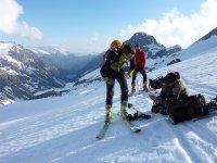 在比利牛斯山滑雪与Mundo