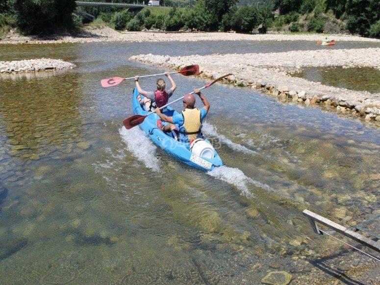 Canoe descend