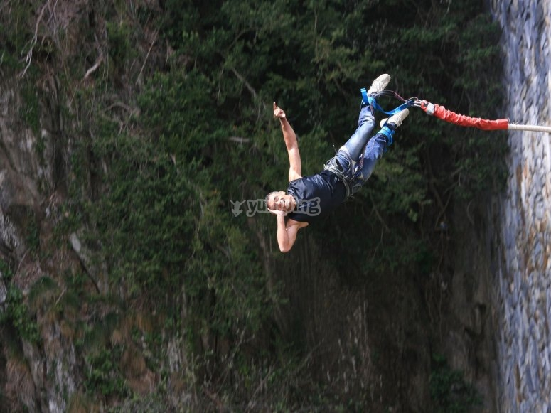Bungee jumping in Granada