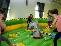 Hinchable con salto de obstaculo