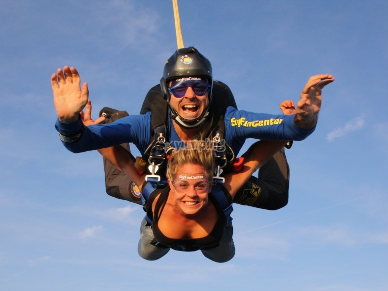 Parachute jump with video