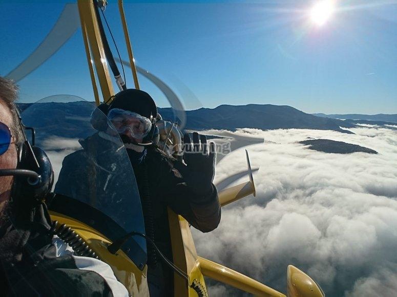 Volando en ultraligero entre las nubes