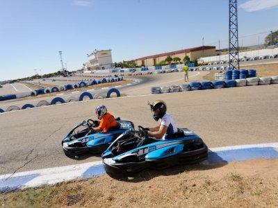 Karting y Gymkhana de Humor Amarillo cerca Madrid