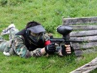 Disparando a ras de suelo