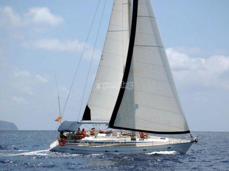 乘船游览日光浴