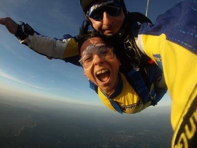 Salto en paracaídas cerca de Cáceres a 4000 metros