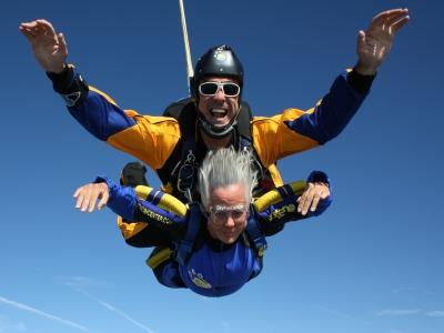 Parachute Jump Near Extremadura, Pics & HD Video
