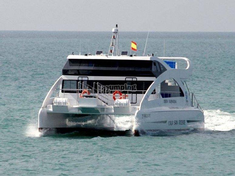 Catamaran con visian submarina