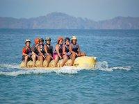 Grupo en el banana boat