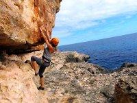 沿地中海攀岩登山