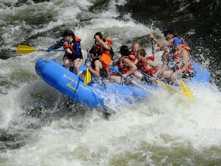 Rafting in rough waters of Alto Tajo