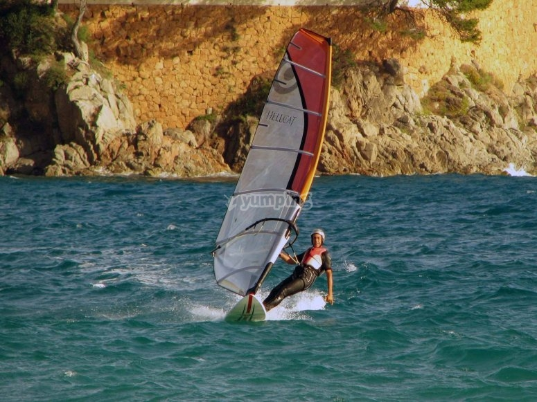 Perfect beaches for windsurfing