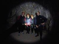 检查洞穴速降过海