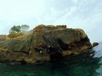 Haciendo coasteering en Mallorca