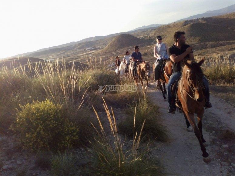 Por la pendiente a caballo