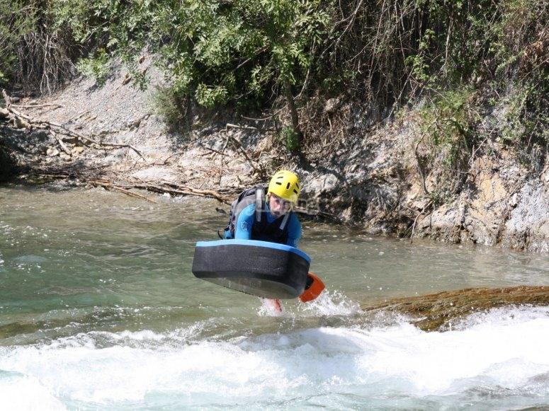 Dejandose llevar por el rio